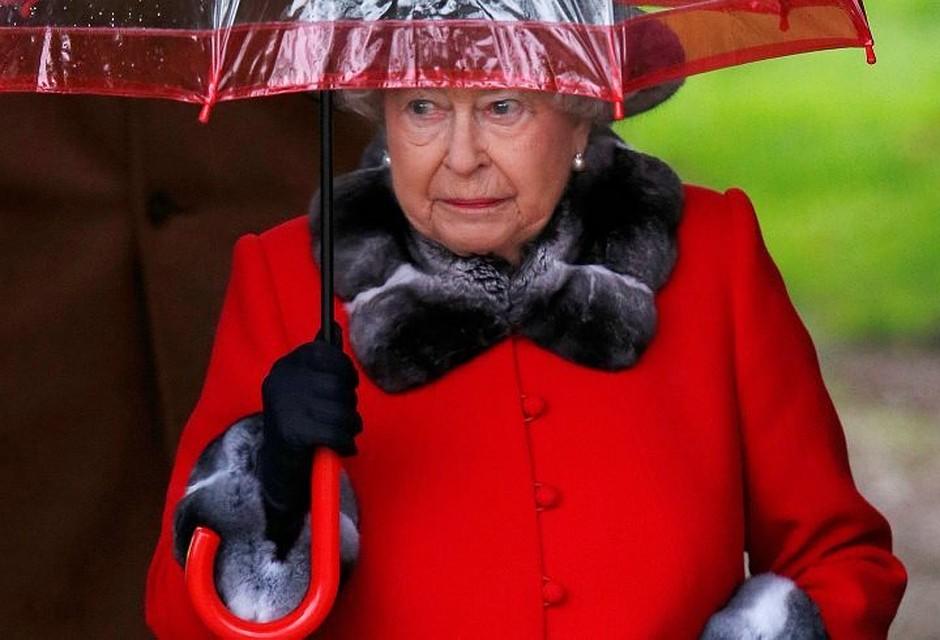 Королева Англии ЕлизаветаII могла вывести вофшоры 13 млн долларов