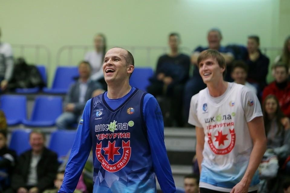 Руководитель Удмуртии сразился вбаскетбол сАндреем Кириленко