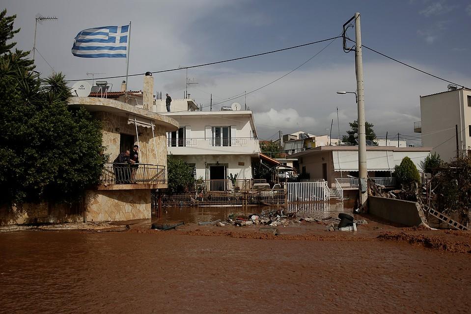 Наводнение встоличном регионе Греции забрало жизни 14 человек