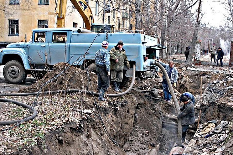 Две улицы Новосибирска перекрыты из-за аварий натеплотрассах