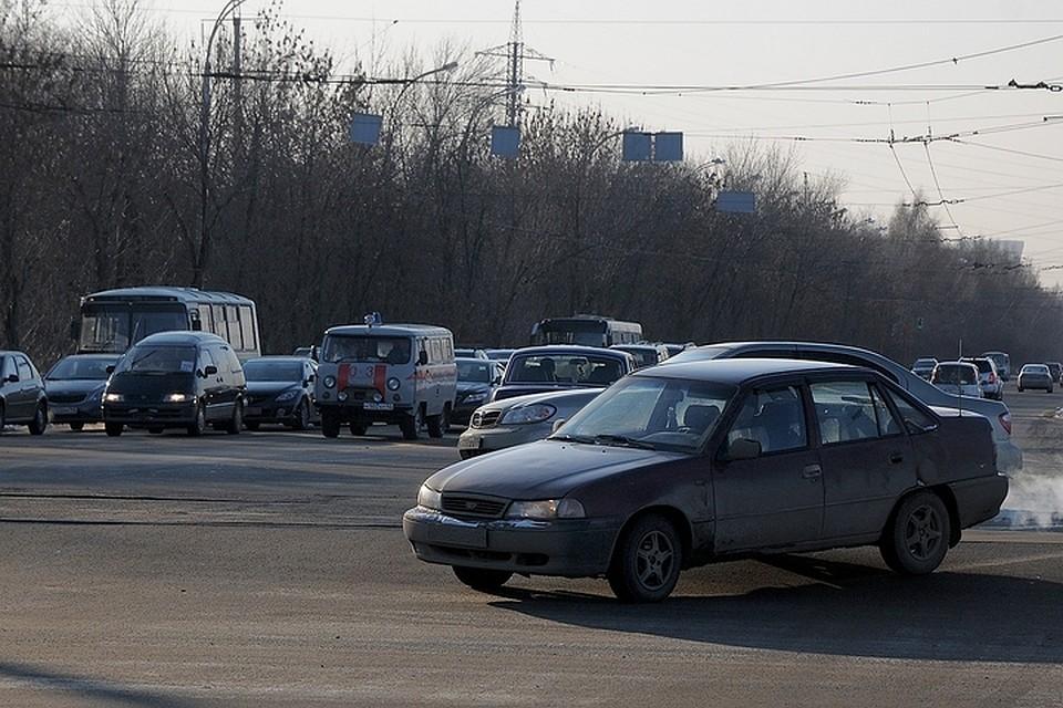 Кузбасских водителей наказали загрязные номера