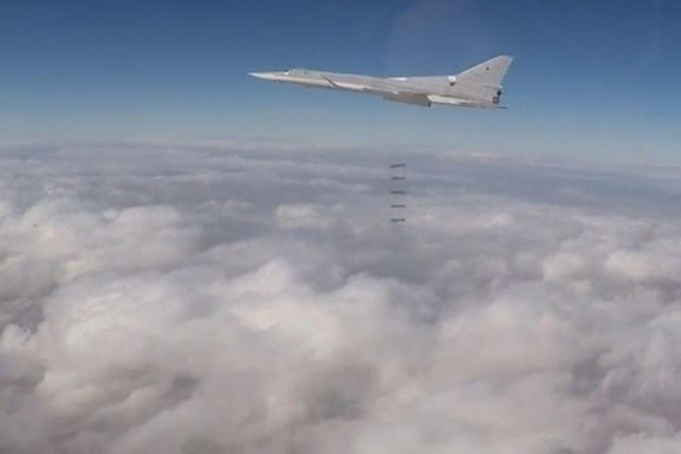 Сирийские военные показали арсенал оружия, захваченный убоевиковИГ