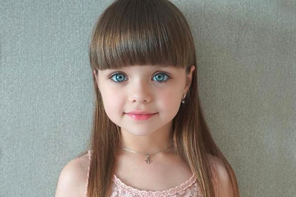 Небольшую россиянку признали самой красивой девочкой вмире