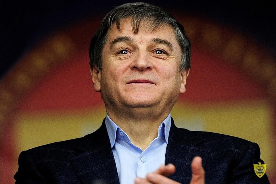 Президент «Анжи» Кадиев дисквалифицирован надва матча иоштрафован на30 000 руб.