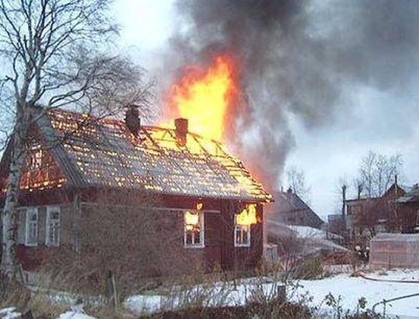 Три человека погибли впожаре в личном доме вПрокопьевске