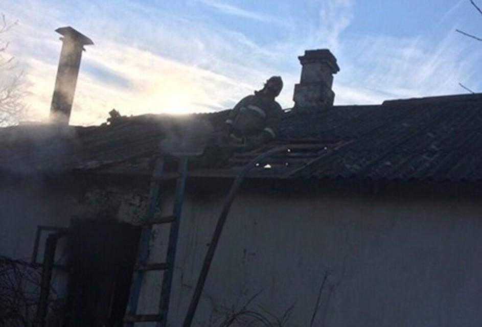 Два человека погибли напожаре вкрымском селе Широком