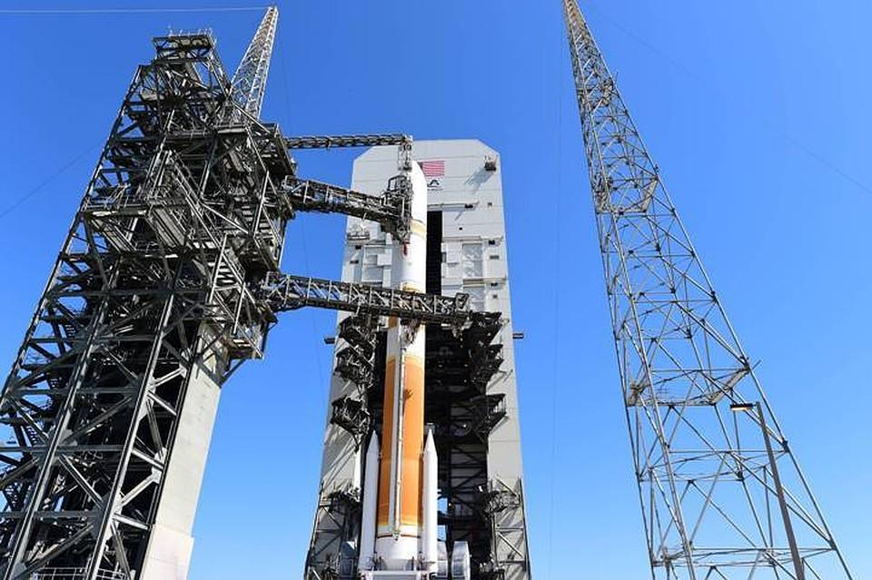 США запустили ракету-носитель DeltaIV своенным спутником