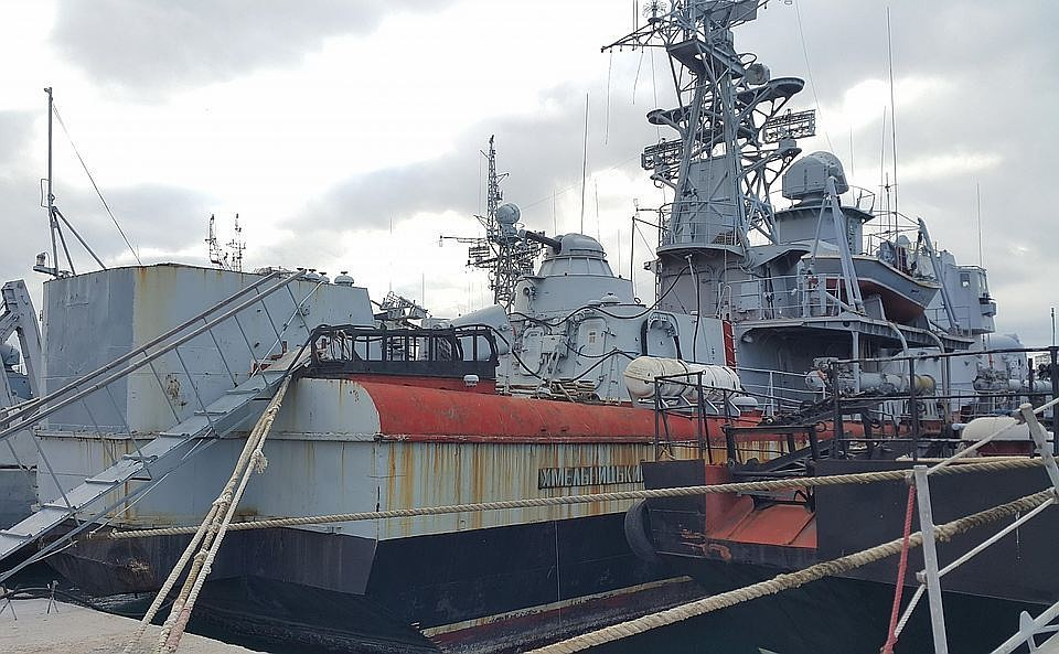 Так сейчас выглядят украинские корабли в Крыму. Немного поржавели не так