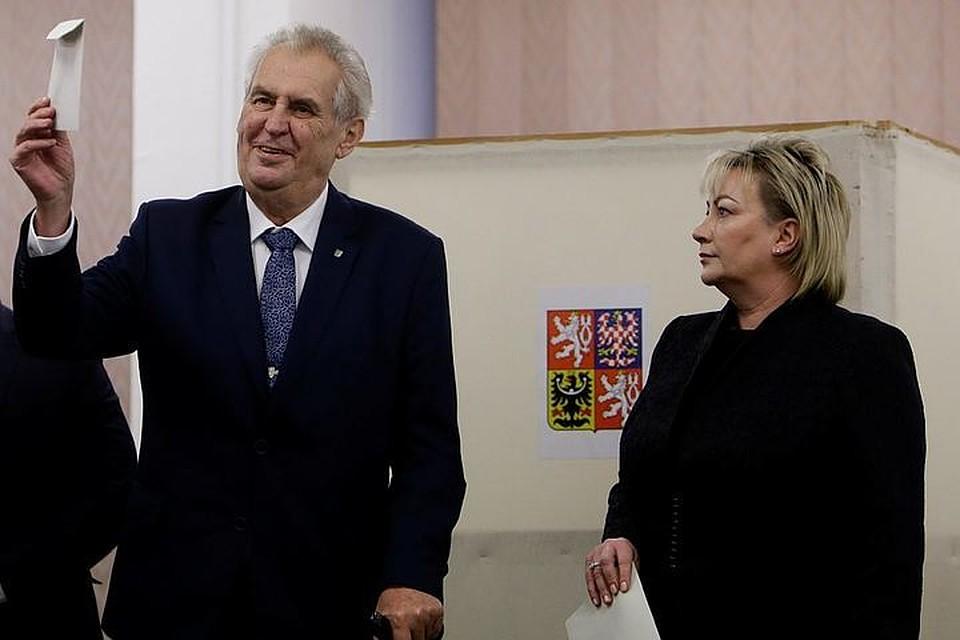 Земан либо Драгош— Чехия выбирает президента