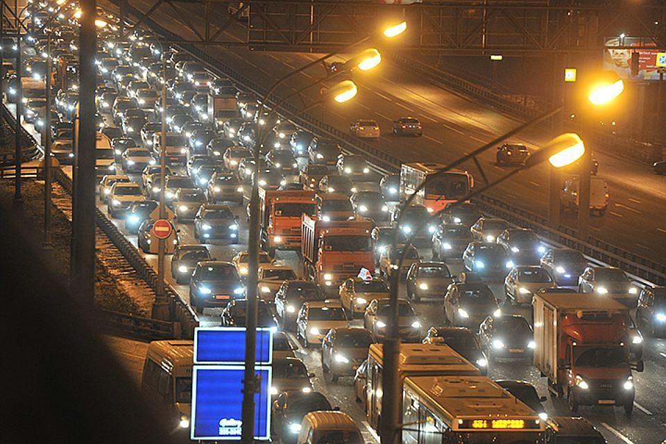 Москва вошла вТОП-3 городов ссамыми большими автомобильными пробками