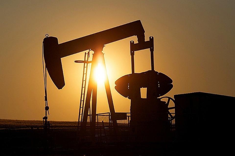Цены нанефть корректируются вниз, однако  Brent держится выше $70 забаррель