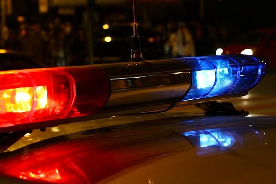 ВНовошахтинске иностранная машина врезалась вопору ЛЭП, пострадали дети