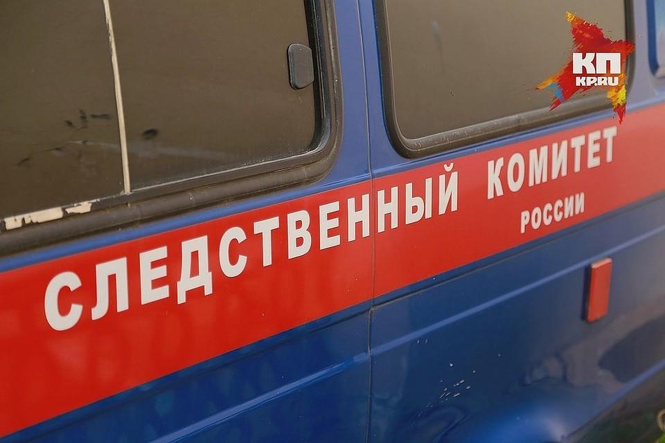 ВКрасноярске рабочий прокладывал кабель исорвался свысоты