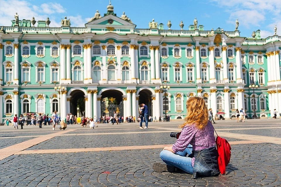 Петербург рассчитывает на8 млн туристов в2015г.