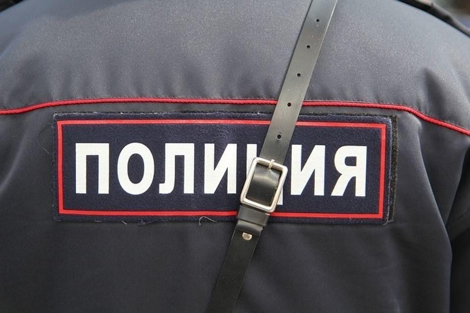 Инспектор ГИБДД получил взятку асфальтовой крошкой