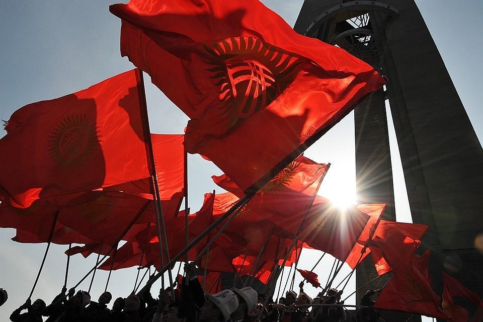Парламент Киргизии выразил сомнение  кабмину