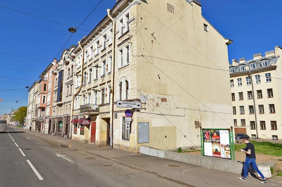 Вдоме наЛиговском проспекте обрушилось межэтажное перекрытие