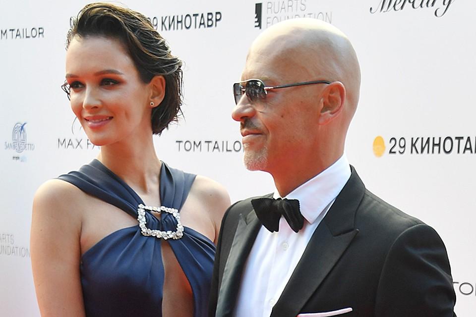 Две артистки на«Кинотавре» пришли в равновеликих платьях