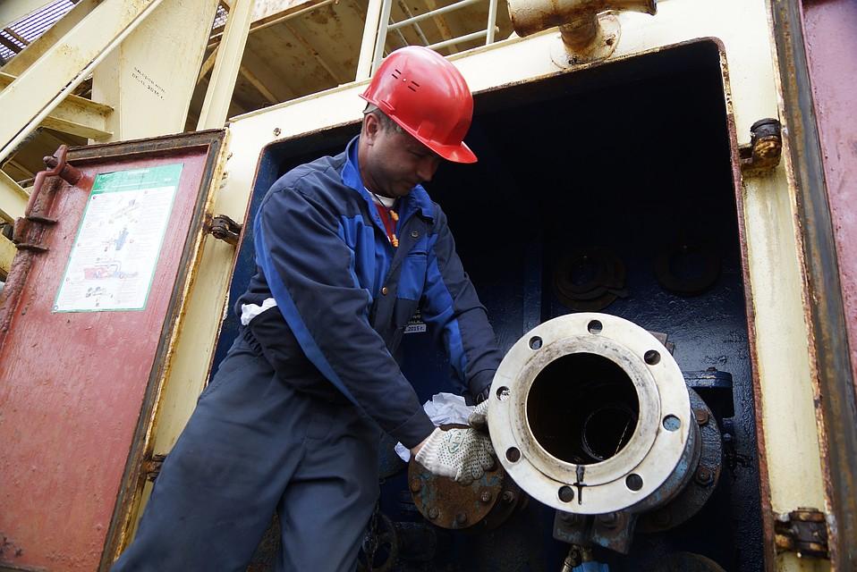 Руководство одобрило законодательный проект оналоговом маневре внефтяной области — Козак