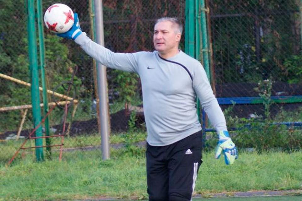 Вратарь ветеранской футбольной команды скончался после матча вБарнауле