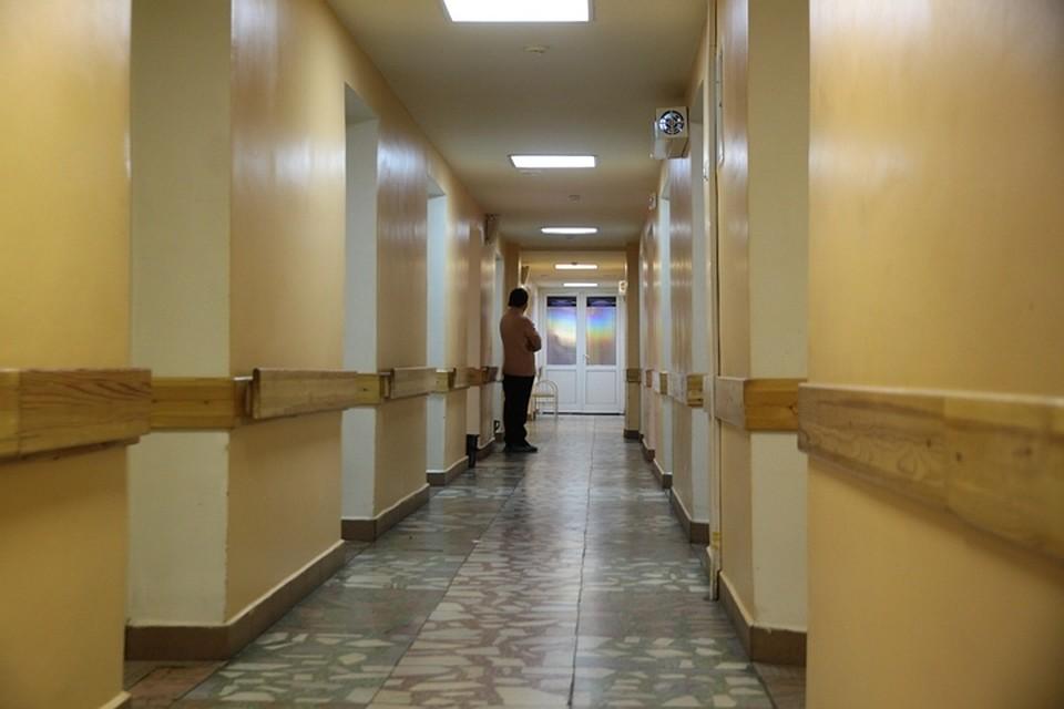 ВИркутской области псих сножом напал на служащих больницы
