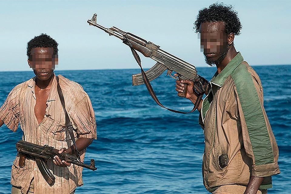 ВНигерии пираты взяли взаложники 12 человек сошвейцарского судна