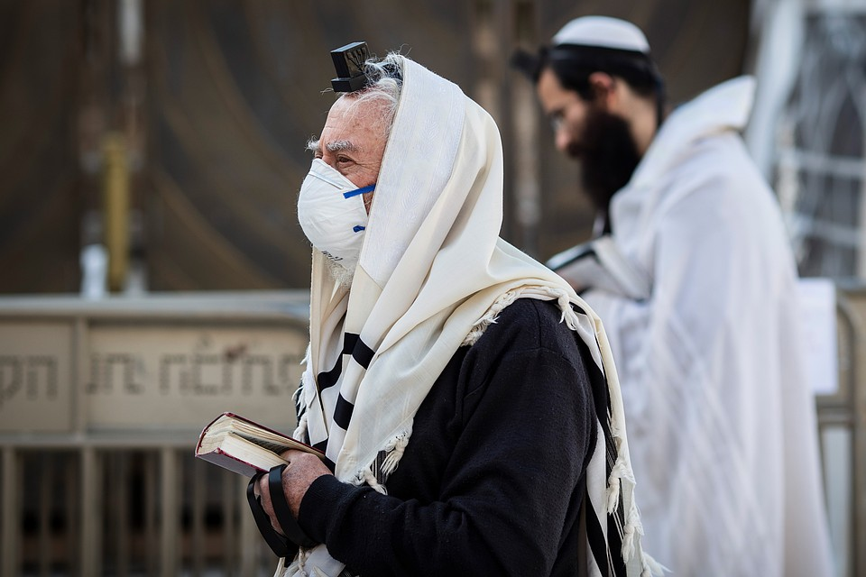 Усоветника Нетаньяху выявили коронавирус