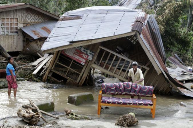 Число жертв супертайфуна на Филиппинах достигло почти 5,8 тысячи человек