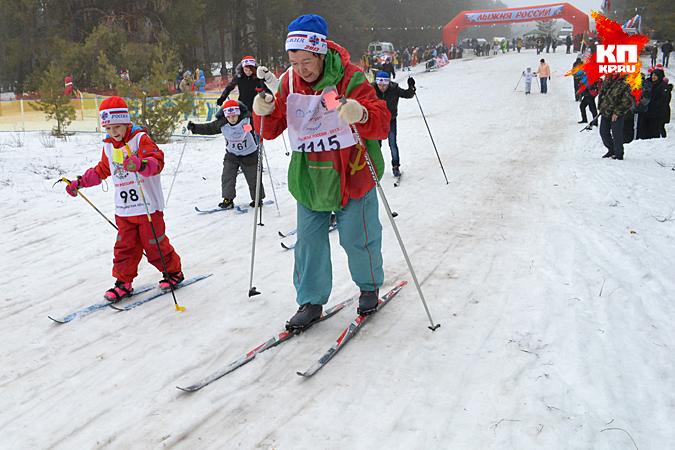 На лыжню все от мала до велика.