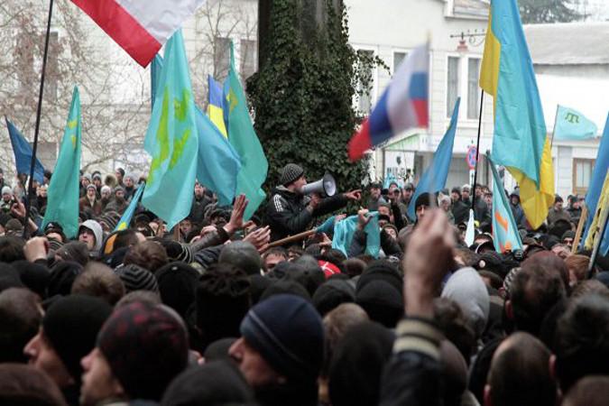 Верховная Рада и Совет министров Крыма захвачены вооруженными людьми