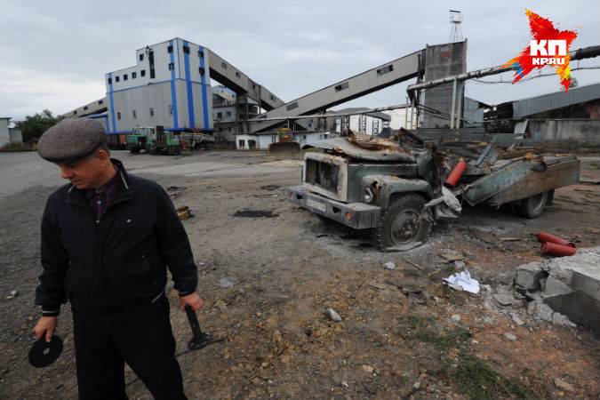 Разборы завалов на освобожденной от украинской армии и нацгвардии территории Донбасса, сопровождаются поистине жуткими находками