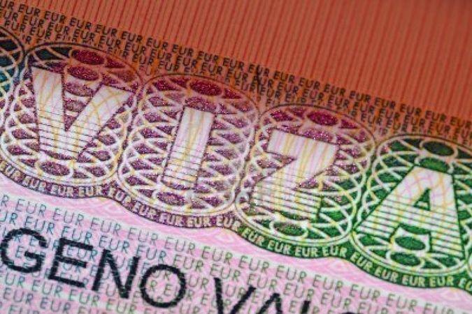 Если вы въезжаете не в ту страну, которая выдала визу, пограничники могут потребовать объяснений. Фото:123rf.com