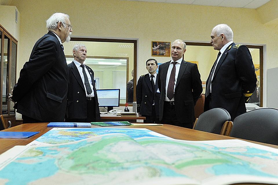 В День студента Владимир Путин традиционно встречается с преподавателями и студентами отечественных вузов. Но на этот раз в выходной он беспокоить молодежь не стал