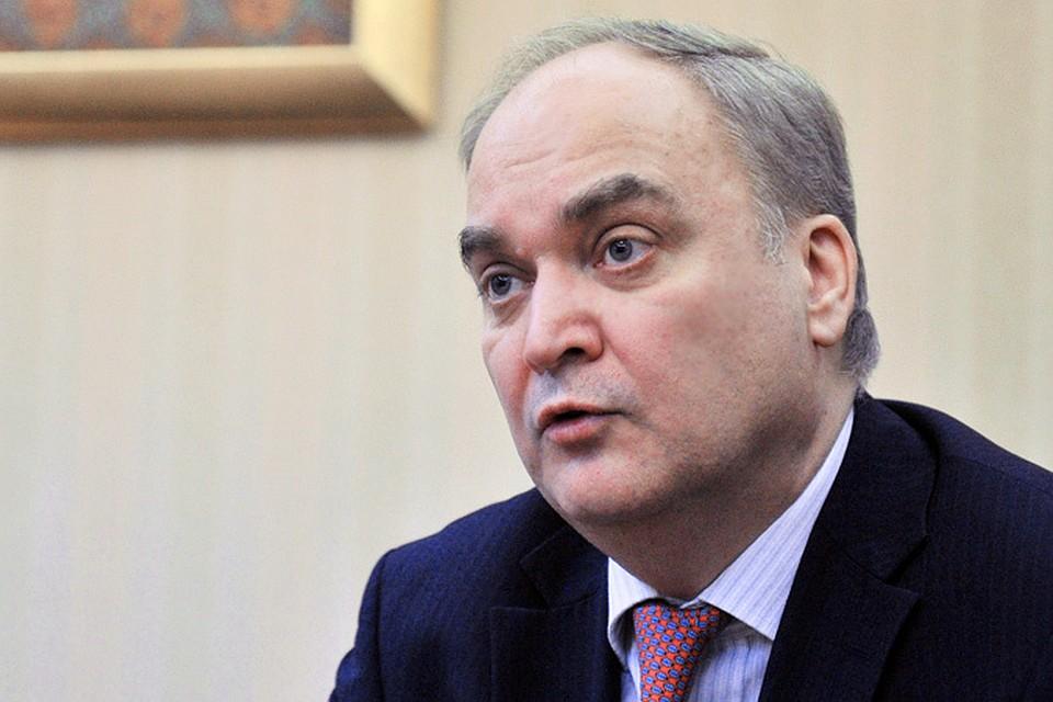 В армейском ведомстве Анатолий Антонов курирует международное военное сотрудничество.