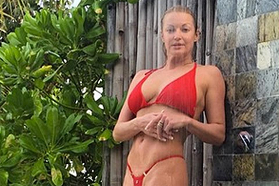 Анастасия Волочкова порадовала поклонников эффектным снимком. Фото: Инстаграм @volochkova_art