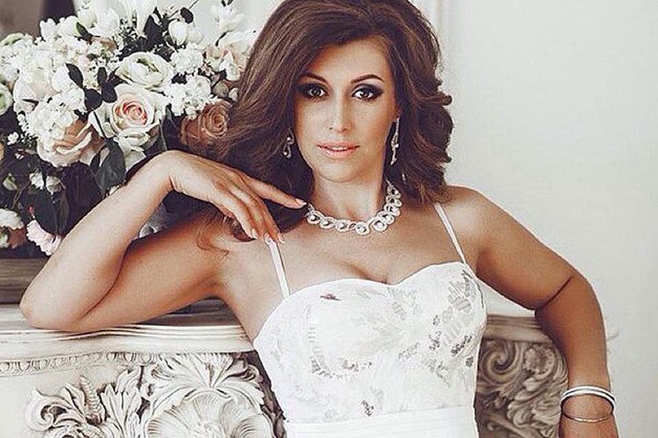 На «Миссис бабушка Вселенная» поедет 38-летняя певица из Петербурга Елизавета Родина.