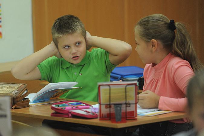 Ребятам, которые уже привыкли ориентироваться на слух, бывает сложно переучиться и писать правильно