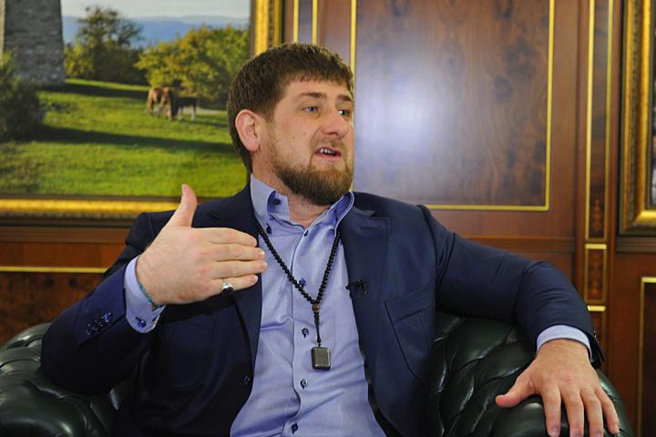 Предсказать, кто может прийти на пост главы Чечни, после того, как его покинет Рамзан Кадыров, сейчас достаточно сложно