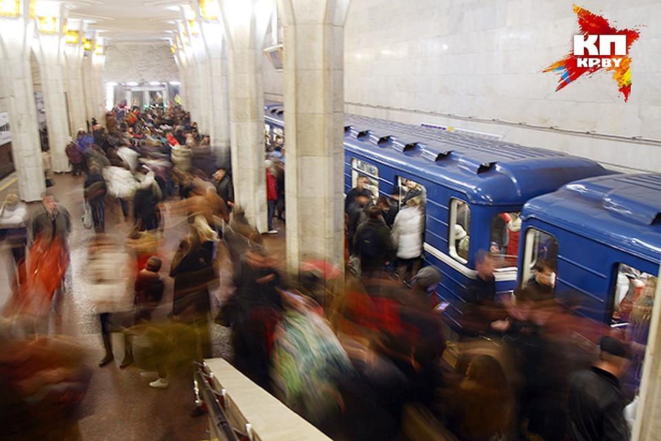 С апреля метро будет ходить реже, троллейбусов и автобусов станет меньше