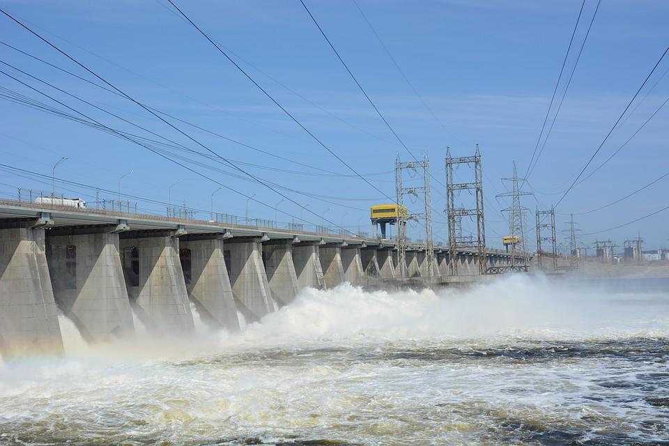 ВСамаре увеличивается уровень воды вВолге— открыта плотина ГЭС