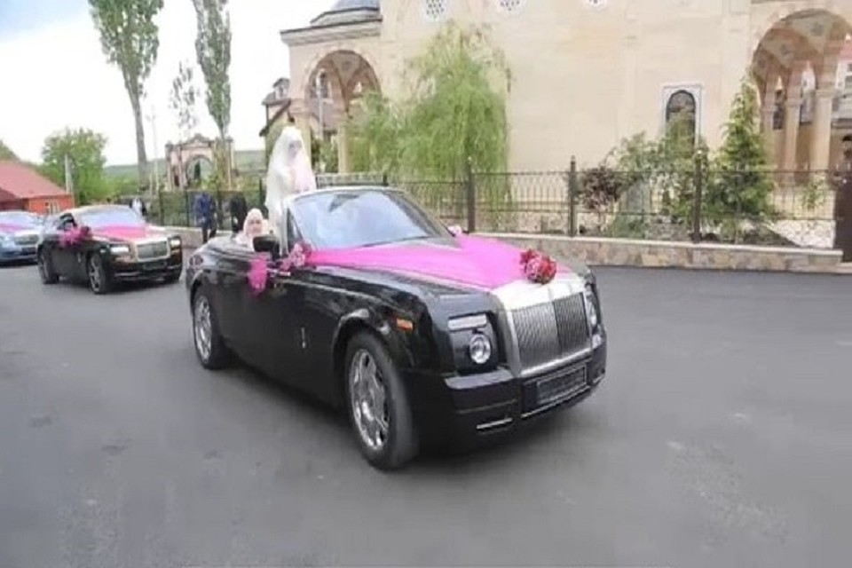 Кадыров похвастался шикарной свадьбой племянника— большое количество Роллс Ройс