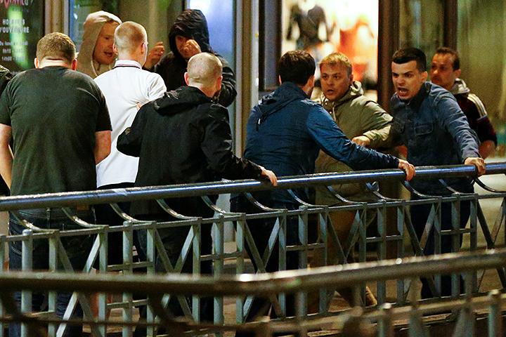 РВ Марселе английские и российские болельщики устроили беспорядки. Фото: sports.ru