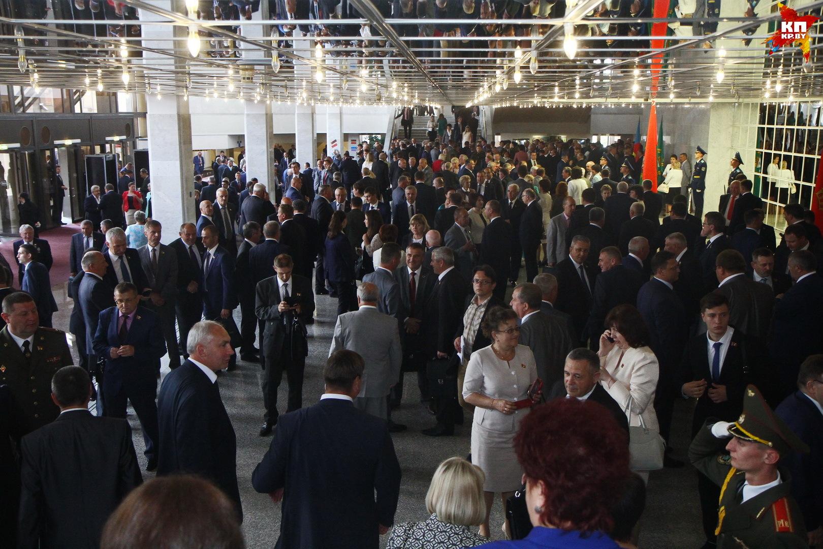 В Минске проходит V Всебелорусское собрание.