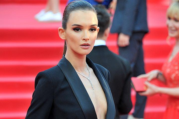 Читатели сайта «КП» тут же включили Андрееву в рейтинг самых сексуальных российских актрис.