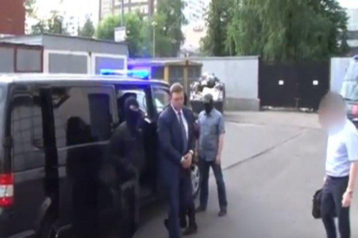 Опубликовано видео задержания губернатора Никиты Белых ФОТО: Кадр из видео