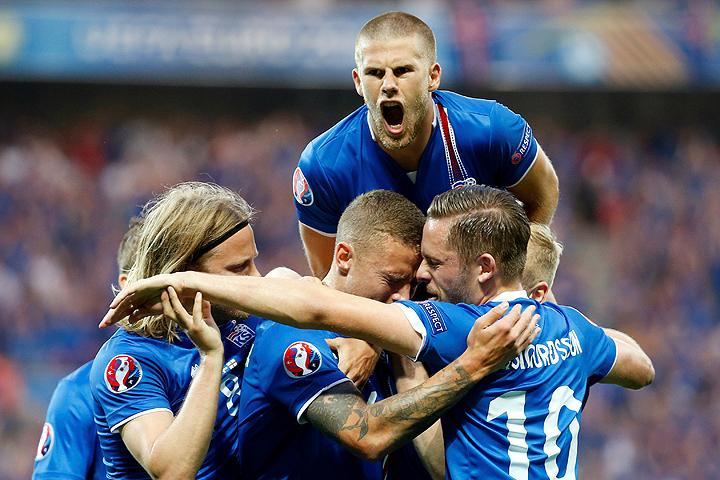 Сборная Исландии сенсационно обыграла англичан в 1/8 чемпионата Европы по футболу.