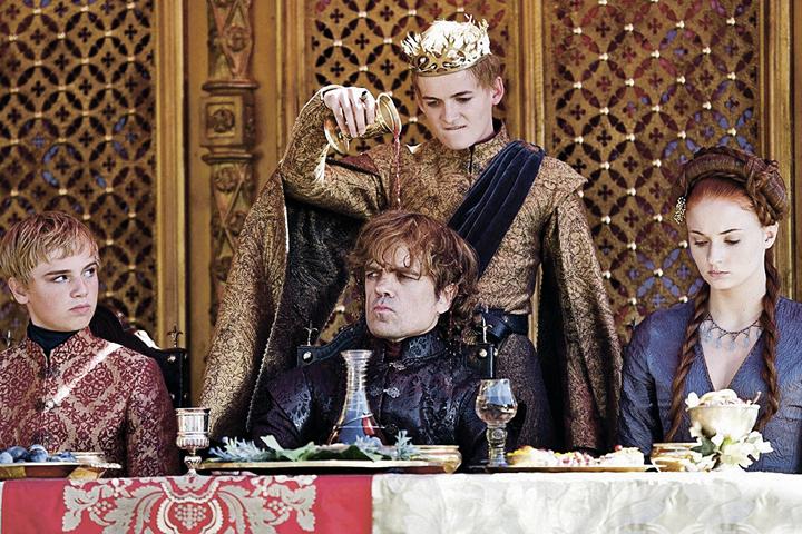 Главный смысл мероприятия - откушать яств точно таких же, какие подавались к столу на пирах «Игры престолов».