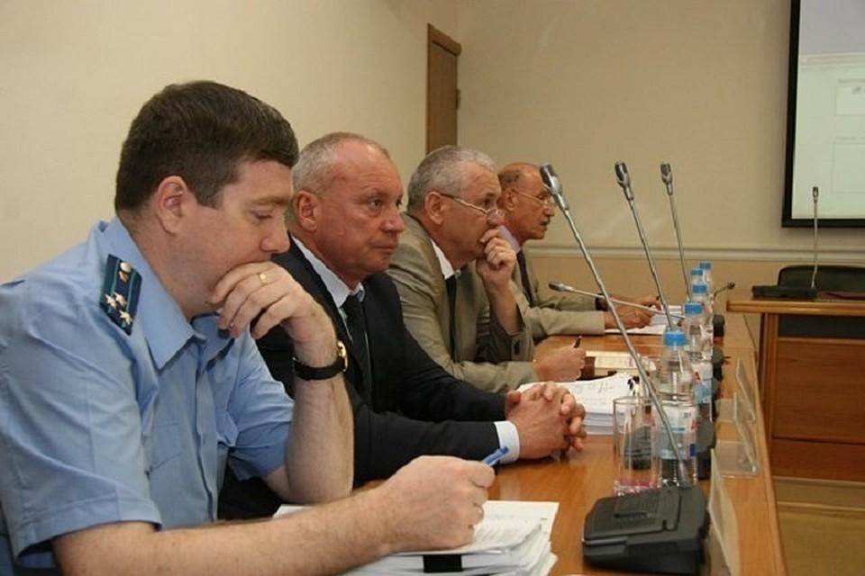 Народные избранники гордумы Волгограда приняли отставку сити-менеджера