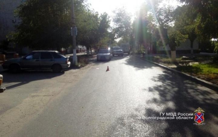 ВВолгограде ребенок без прав сбил пешехода и исчез
