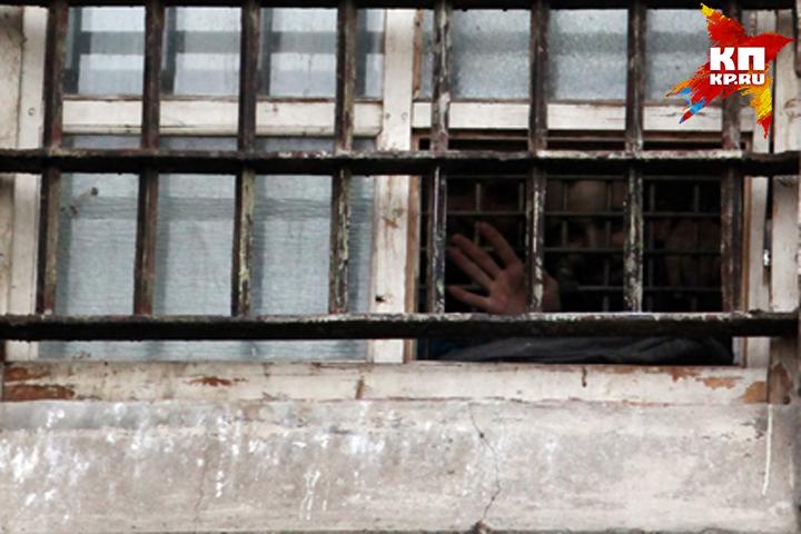 Осужденный изБрянска срезал электронный браслет и исчез